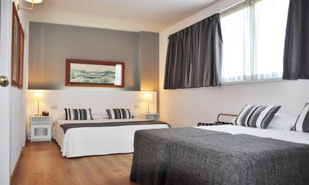 Habitación Familiar (2 adultos + 2 niños) - Aparthotel Atenea Barcelona - Barcelona