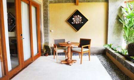 Suite with Jacuzzi - The Sankara Suites & Villas By Pramana - Bali