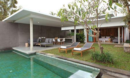 Вилла с четырьмя спальнями и бассейном - Aria Villas Ubud - бали