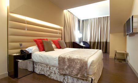 Quarto Duplo - Vista á Gran Vía - Hotel Vincci Capitol - Madrid