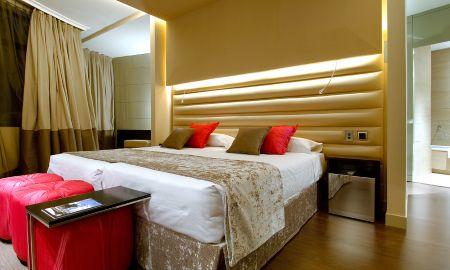 Quarto Superior - Hotel Vincci Capitol - Madrid