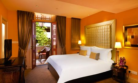 Executive Room with Balcony - The Scarlet Singapore - Singapore