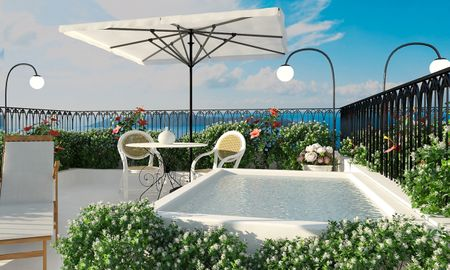 Senior Jacuzzi Suite - Vista Mar - Katikies Garden - Santorini