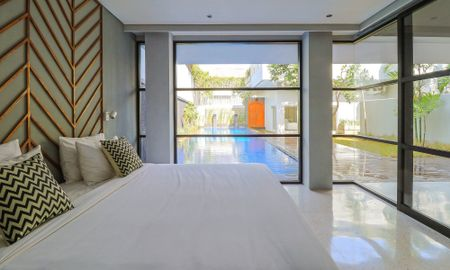 Villa Doble con Piscina (7 Habitaciones) - Origin Seminyak - Bali