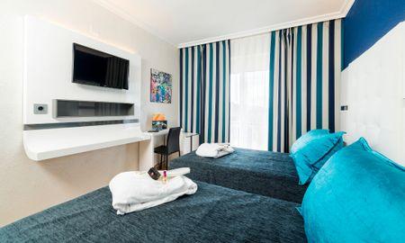 Triple Deluxe Zimmer - Sallés Hotel Marina Portals - Balearische Inseln