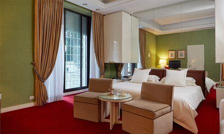 Deluxe Prestige Patio - Hotel Lord Byron - Rome