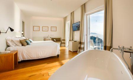 Junior Suite con Vasca da Bagno - Vista Mare - Art Hotel Villa Fiorella - Sorrento