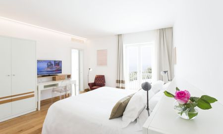 Camera Deluxe - Vista Lateral Mare - Art Hotel Villa Fiorella - Sorrento