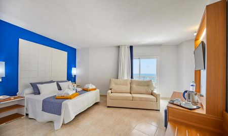 Vierbettzimmer Blue - Lateral Meerblick - Kind - Marconfort Costa Del Sol - Malaga