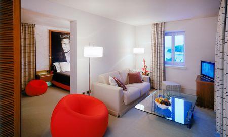 Suite Junior Vista Mar - Riva, Hvar Yacht Harbour Hotel - Hvar