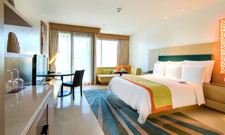 Deluxe Room - Renaissance Phuket Resort & Spa - Phuket