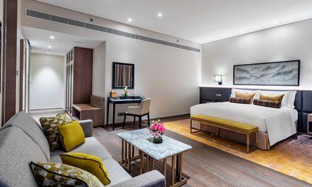 One Bed Room Suite - Taj Jumeirah Lakes Towers - Dubai