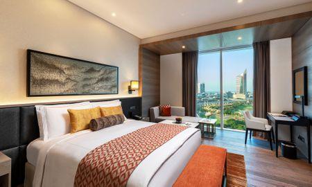 Taj Club Room King Bed - Taj Jumeirah Lakes Towers - Dubai