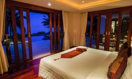 Tropical Jacuzzi Suite - The Village Coconut Island - Phuket