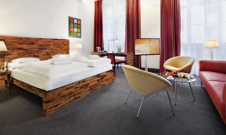 Junior Suite King - Movenpick Hotel Berlin - Berlin