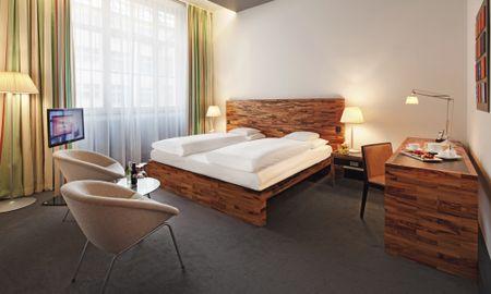 Superior King Room - Movenpick Hotel Berlin - Berlin