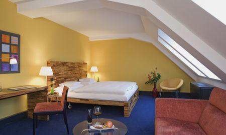 Deluxe King Room - Movenpick Hotel Berlin - Berlin
