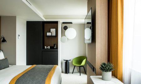 Superior Double Room with Balcony - Mercure Paris 17 Batignolles - Paris