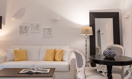 Junior Suite with Outdoor Jacuzzi - Sea View - Colours Of Mykonos Luxury Residences & Suites - Mykonos