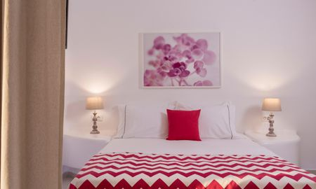 Honeymoon Suite with Outdoor Jacuzzi - Sea View - Colours Of Mykonos Luxury Residences & Suites - Mykonos