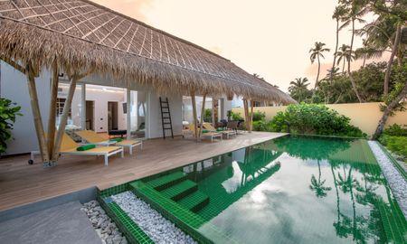 Beach Villa Familiale - Emerald Maldives Resort - Maldives