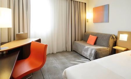 Classic Double Room with Single Sofa Bed - Novotel Marseille Vieux Port - Marseille