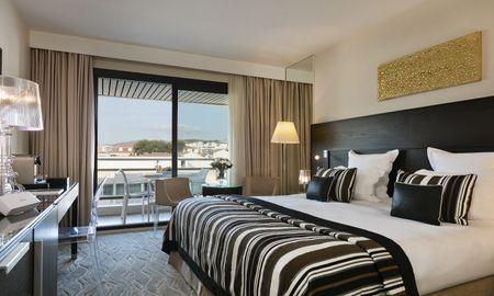 Deluxe Room City View With Terrace - Hôtel Barrière Le Gray D'Albion Cannes - Cannes