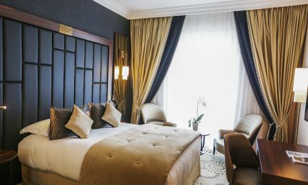 CLASSIC ROOM, 1 Queen Size Bed, Facing the city - Le Regina Biarritz Hotel & Spa - Mgallery Collection - Biarriz
