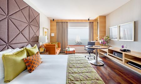 Grand Luxury Room with Sea View - Taj Lands End - Mumbai