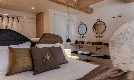 Habitación Deluxe con Bañera de Hidromasaje Exterior - Kensho Psarou - Mikonos
