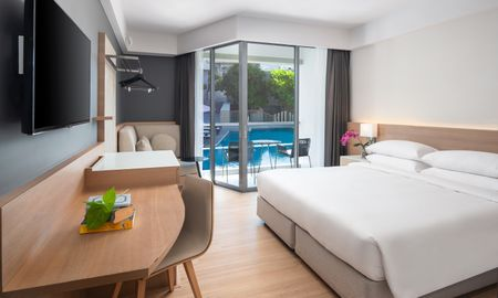 Camera King Vista Alla Piscina - The Andaman Beach Hotel Phuket - Phuket