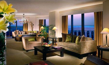 Tower Club Signature Suite 2BR - Zugang Minibar/Lounge - Tower Club At Lebua - Bangkok