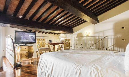 Suite Junior Split Level - Acceso Gratuito al Spa - Golden Tower Hotel & Spa - Toscana