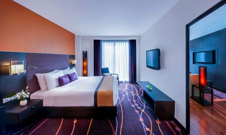 One Bedroom Suite - Radisson Suites Bangkok Sukhumvit - Bangkok
