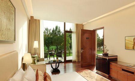 Gateway Suite King Bed - The Gateway Resort Damdama Lake - Delhi