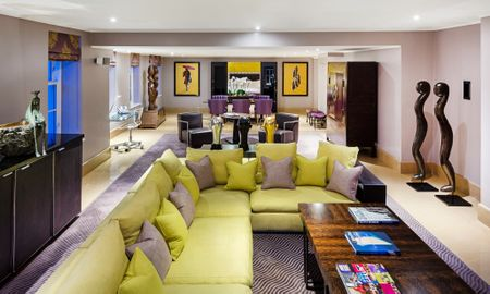 Suite Signature - Offered £15.00 Daily Coupon - The May Fair, A Radisson Collection Hotel - Londres
