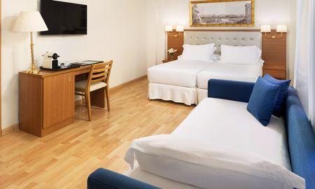 Triple Room - 2 Adults + 1 Child - H10 Corregidor Boutique Hotel - Seville
