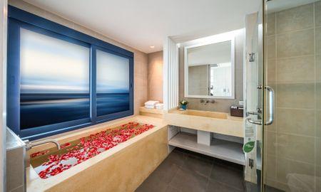 Camera Deluxe Premium - Vista Oceano - Andamantra Resort & Villa Phuket - Phuket