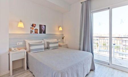 Chambre Double - Vue Piscine - Hotel Pineda Splash - Barcelone
