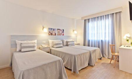 Chambre Triple (2+1) - Hotel Pineda Splash - Barcelone