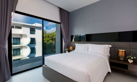 Suite Tropicale Deluxe - Utopia Naiharn - Phuket
