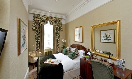 Classic Room - The Colonnade - London