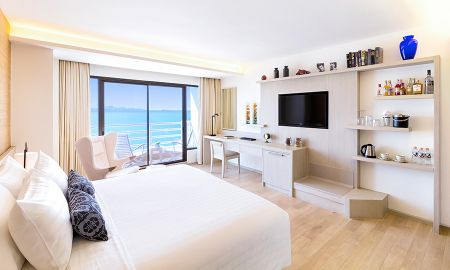 Executive Room with Lounge Access - Sea View - Pullman Pattaya Hotel G - Pattaya