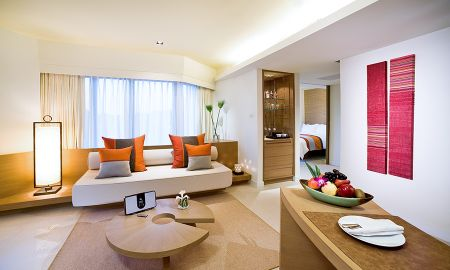 Executive Suite with Balcony - Pullman Pattaya Hotel G - Pattaya