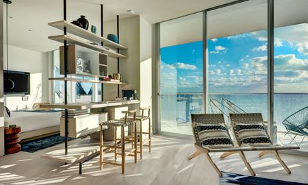 Suite Deluxe Una Camera Fronte Oceano - SLS Cancun - Cancun
