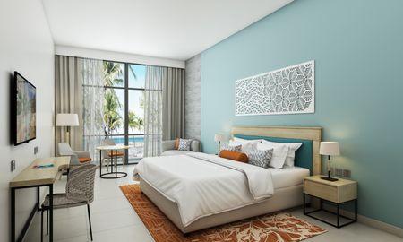 Superior Room King - Centara Mirage Beach Resort Dubai - Dubai