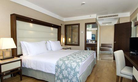 Deluxe Double Room - Partial Sea View - Ramada Plaza By Wyndham Antalya - Antalya