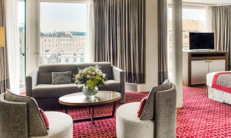 Suite Junior avec Vue sur Ville - Fairmont Grand Hotel Geneva - Genève