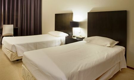 Quarto Duplo ou Twin - Vista Jardim - Hotel Praia Mar - Lisboa