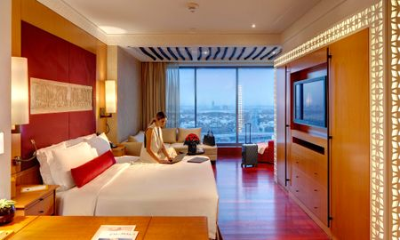 Deluxe King Room - The H Hotel - Dubai